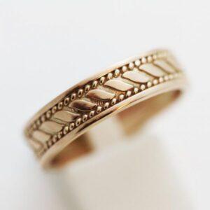 кольцо с рисунком